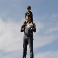 3D фигурка папе - миниатюрная копия!