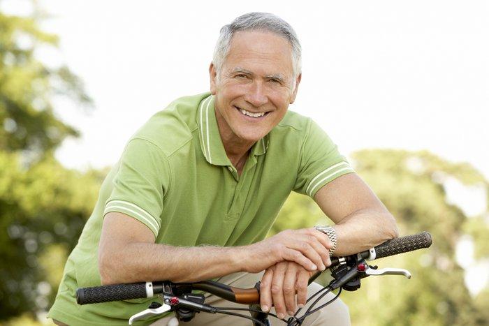 Что лучше подарить мужчине на 66, 67, 68, 69 лет?