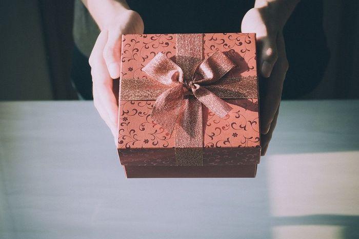 55 интересных подарков женщине на день рождения