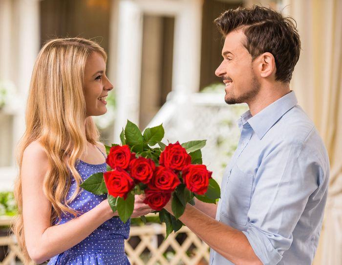 Что оригинальное лучше подарить женщине на День рождения?