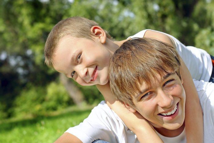 Что лучше подарить брату на 10, 11, 12, 13 лет?