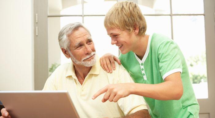 Что лучше подарить дедушке на 60, 65 лет?