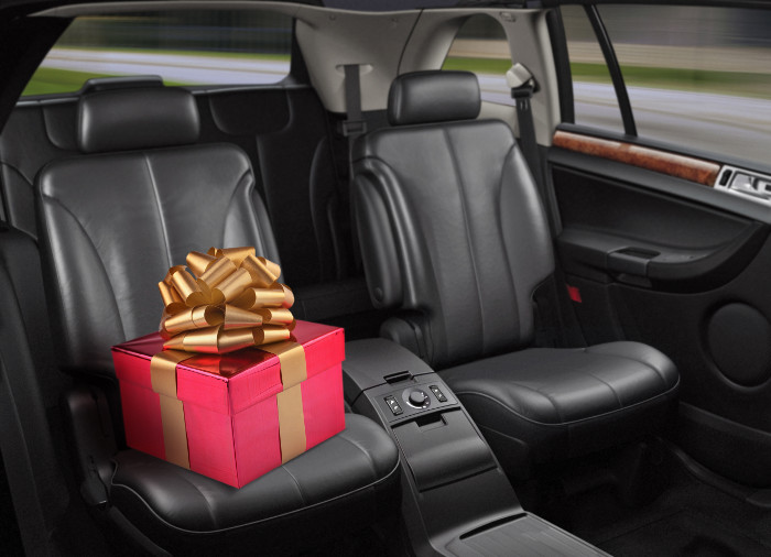 Что подарить в машину