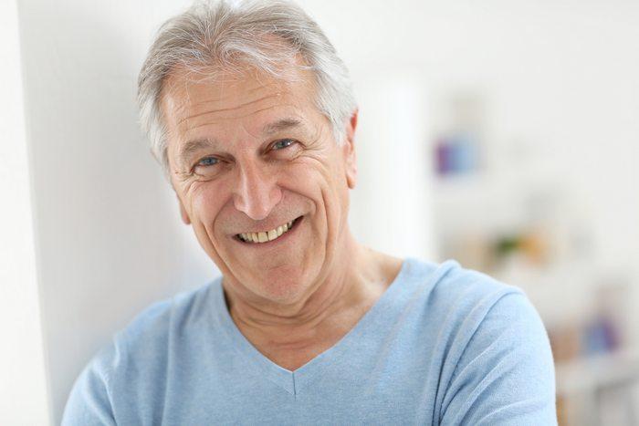 Что лучше подарить мужчине на 61, 62, 63, 64 года?