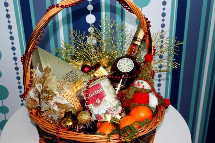 Что лучше подарить воспитателю на Новый год?