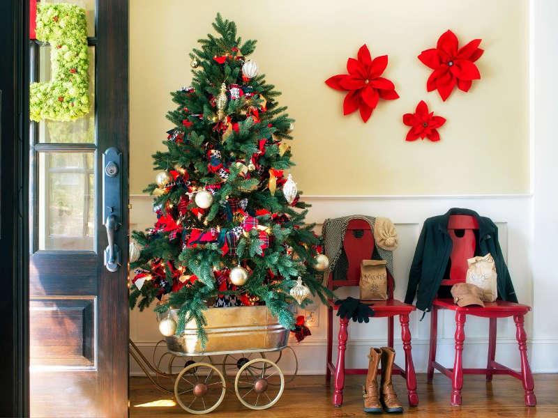 Необычное оформление новогодней елки