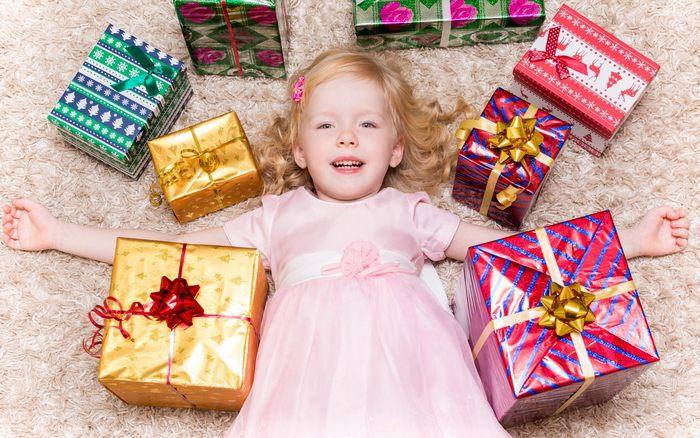 Список 50 лучших подарков девочке на день рождения