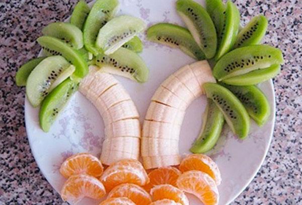 Из фруктов обезьяна