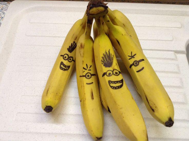 Миньоны из бананов