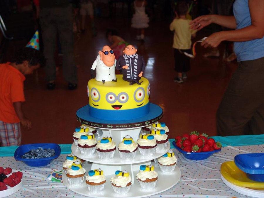 Торт в стиле Гадкий Я