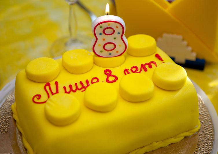 Торт в стиле Лего