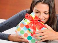 Недорогие подарки для женщин