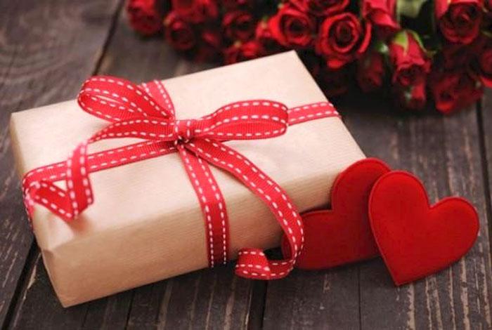 Выбор из 45 идей подарков девушке на 14 февраля