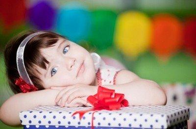 Подарки детям на 8 марта