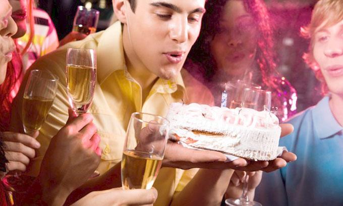 Выбор подарка другу на 25 лет на день рождения