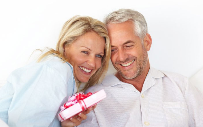 Выбор подарка мужчине на 55 лет