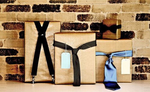 Декор упаковки подарка мужчине