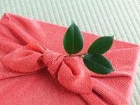 Фурошики - японская техника упаковки подарков